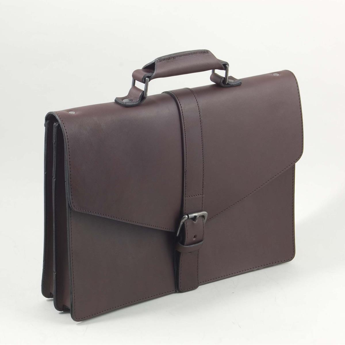 The Briefcase Lite - Buckle